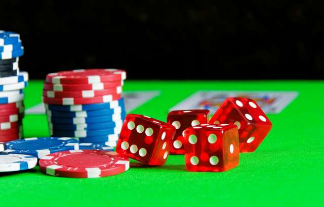 Online gambling regulations should be tightened to protect children and young people, research finds