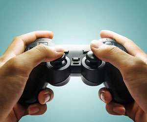 Playing action video games boosts visual motor skill underlying driving