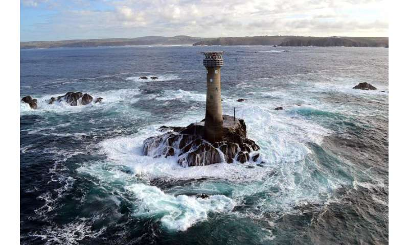 STORMLAMP project to shine light on the impact of waves on lighthouses