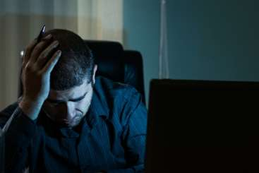 Suicidal patients need better online support from clinicians and help groups