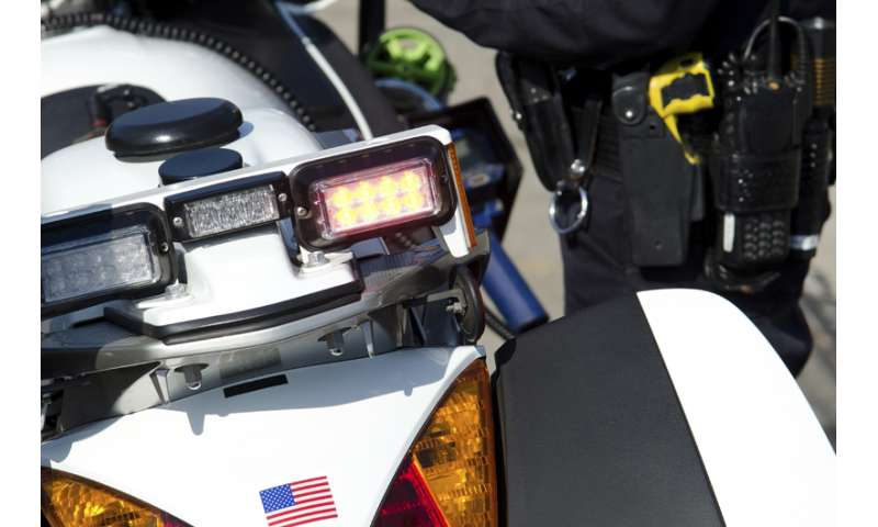 Taser shock disrupts brain function, has implications for police interrogations