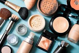 The link between makeup and a down economy
