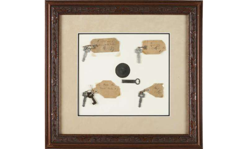 Thomas Edison's lab door key, lightbulbs up for auction