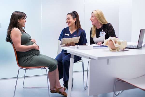 Urgent reform needed to make midwife-led maternity care more accessible