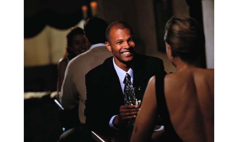 Want a 2nd date? 'Welcoming' body language may be key
