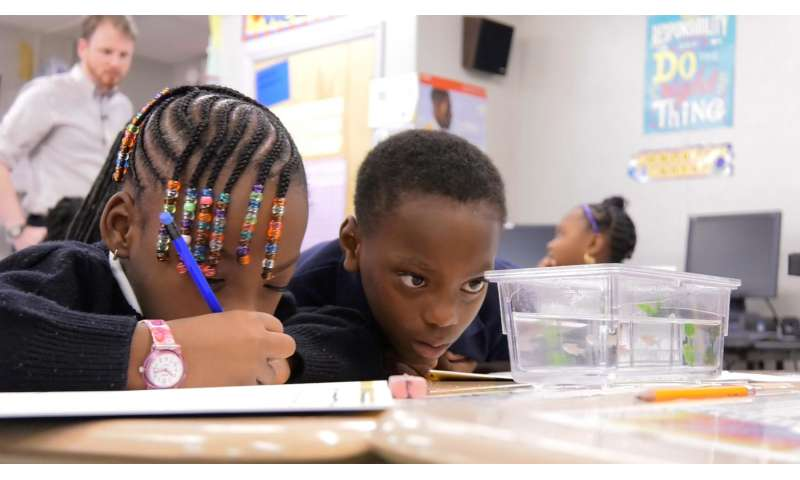 When fish come to school, kids get hooked on science