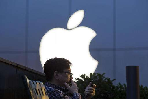 Why Apple plunked $1 billion into Chinese ride-hailing