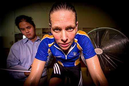 Women are not affected by their menstrual cycle during exercise heat stress