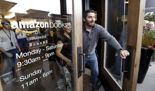 5 reasons Amazon is experimenting with physical stores