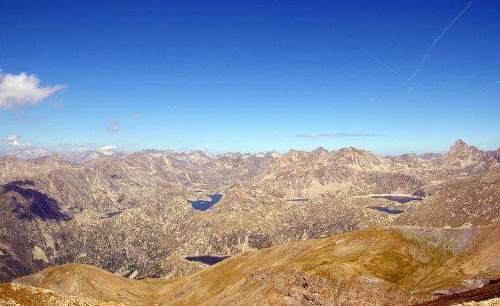 Accelerating rate of temperature rise in the Pyrenees