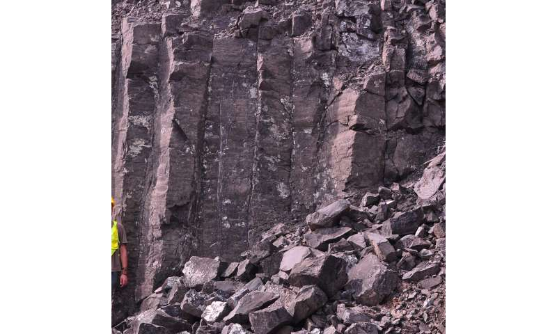 Changes in tectonic activity may have shaped composition of Panama Canal rocks