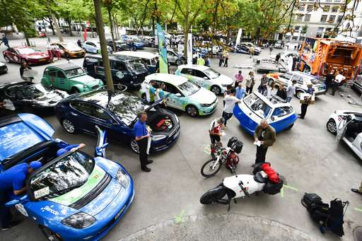 Electric vehicle rally sets off in Switzerland