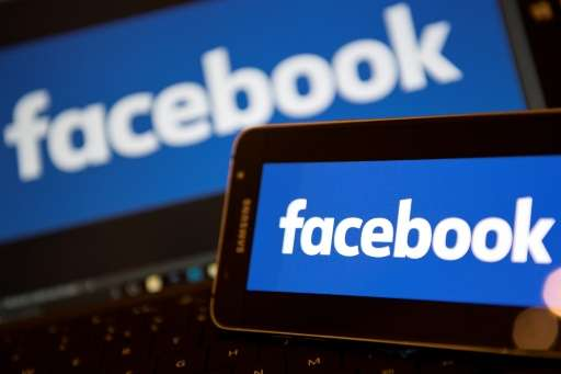 Facebook announces new apps that will provide a more convenient way for users of the social network to view videos on a large sc
