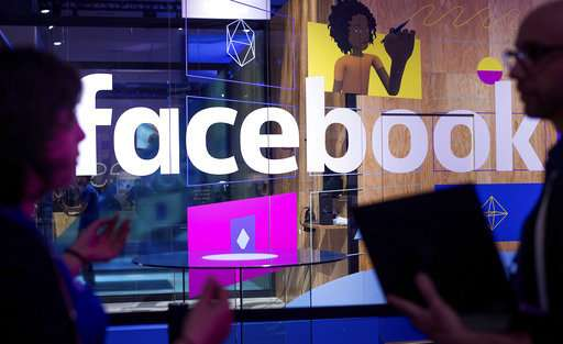 Facebook turns to AI to help prevent suicides