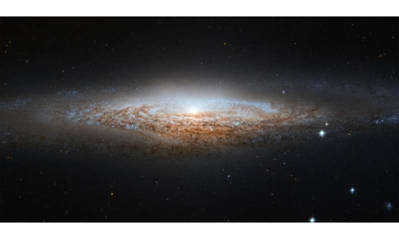 Hydrogen halo lifts the veil of our galactic home