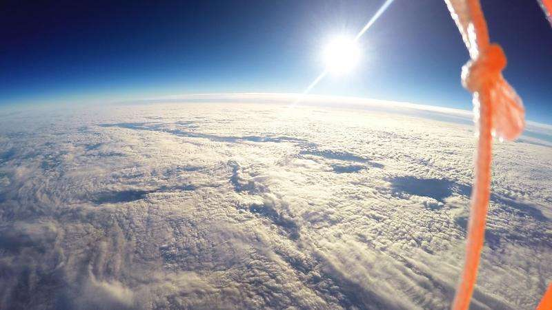 Students film breathtaking curvature of Earth using high-altitude weather balloon