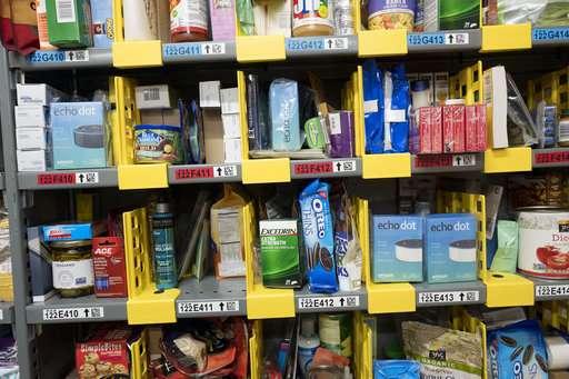 Gift wrap or tape in 1 hour: How Amazon aids procrastinators