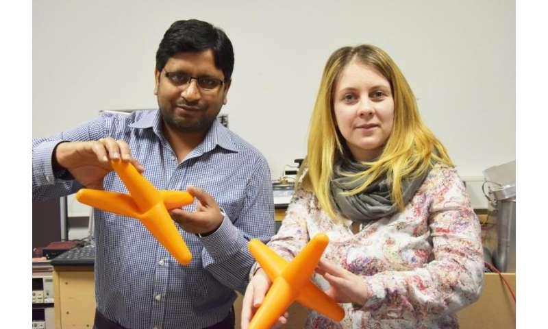 **Research team bends individual tetrapod nanostructures