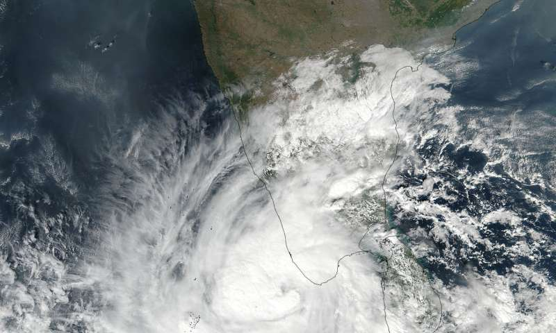 NASA-NOAA's Suomi NPP catches birth of northern Indian Ocean Tropical Cyclone Ockhi