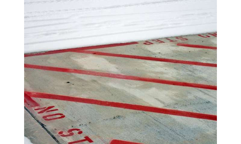 Engineers test heated pavement technology at Des Moines International Airport