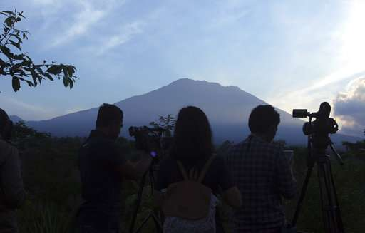 Indonesian official: More than 120,000 flee Bali volcano