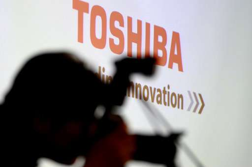 Toshiba, Bain executives join to push for memory-chips sale