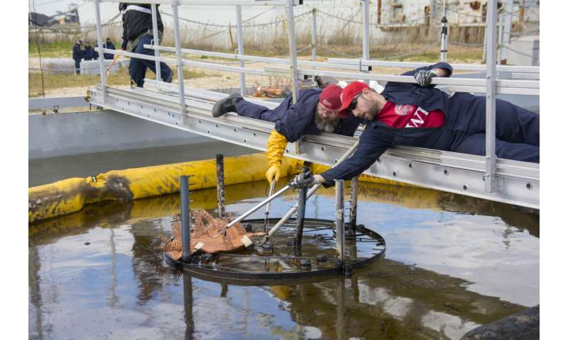 WPI, BSEE, and the US Coast Guard successfully test a novel oil spill cleanup technology