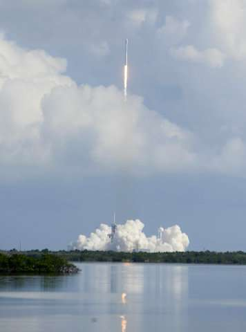 SpaceX launches Air Force's super-secret minishuttle