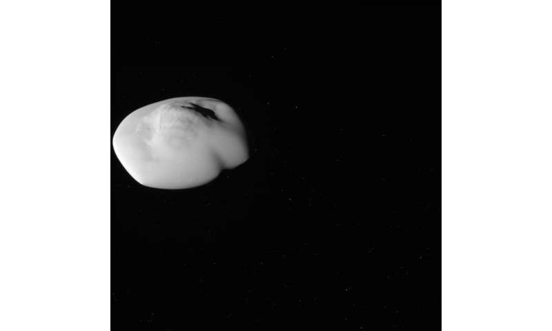 Cassini gets close-up view of Saturn moon Atlas