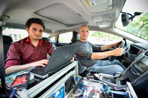 Portable nanospectrometer for detecting dangerous compounds