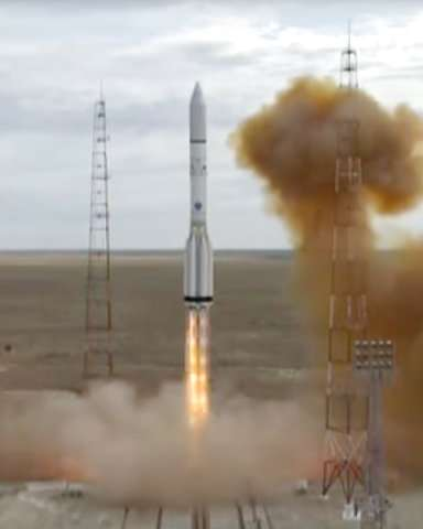 Russian booster rocket puts US satellite in orbit