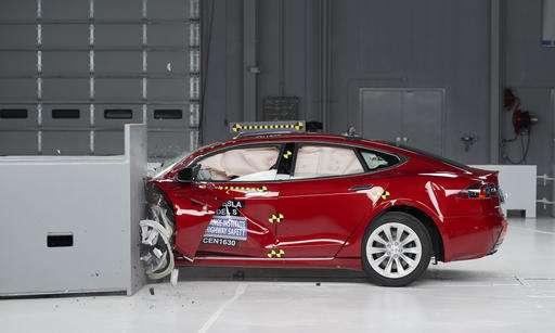 Tesla, BMW electrics fall short of highest crash-test rating