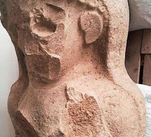 Archaeologists uncover 3,000-year-old female statue at citadel gate complex in Turkey