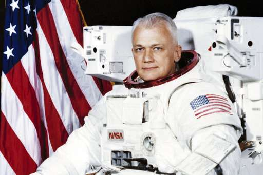 NASA astronaut, first to fly untethered in space, dies at 80
