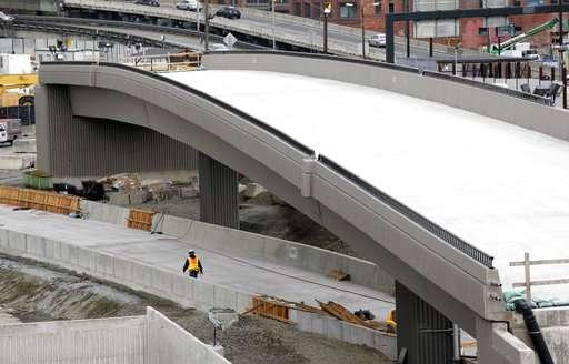 Nevada quake lab tests new bridge design after Mexico quake