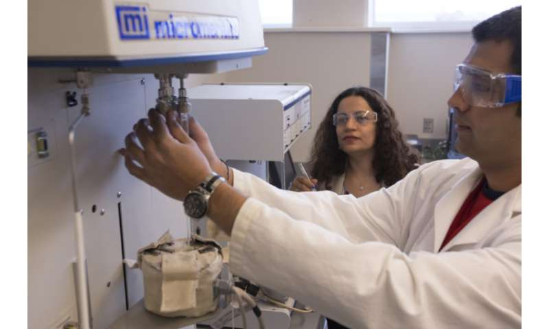 Researchers work on carbon dioxide capture systems