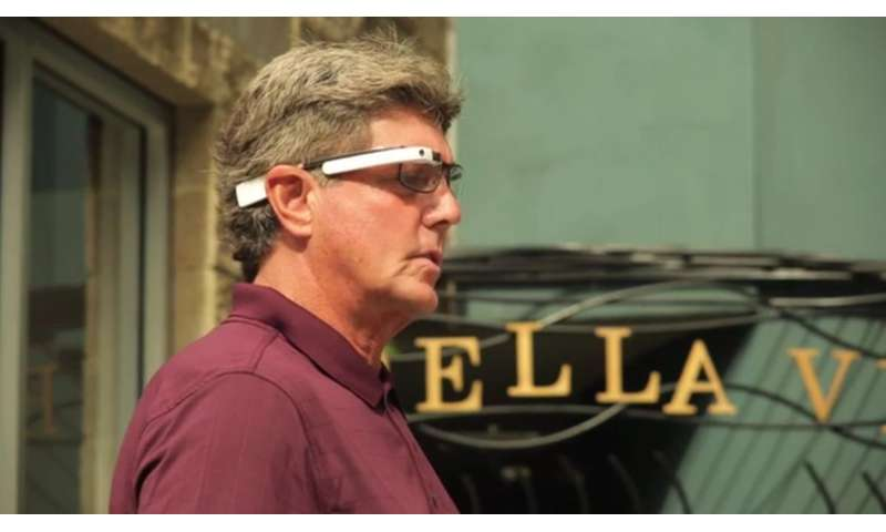 Visual interpreter for the blind uses smart glasses