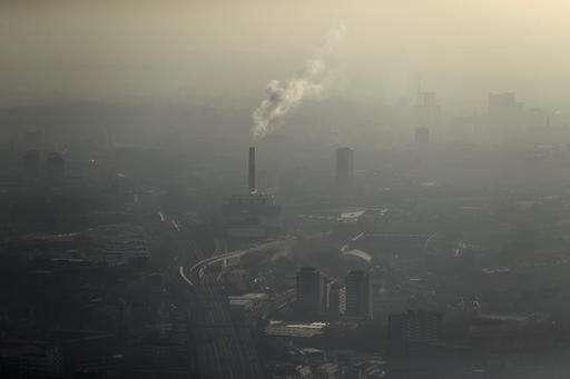 London mayor issues health alert over air pollution