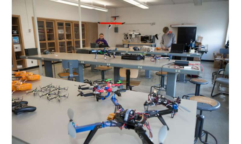 Researchers teach drones to land themselves on moving targets