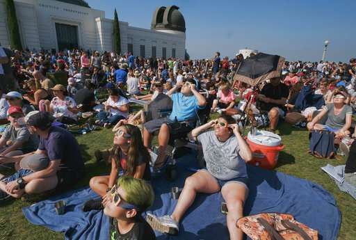 'A primal experience': Americans dazzled by solar eclipse (Update)