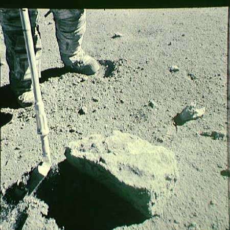 Analysis of a 'rusty' lunar rock suggests the moon's interior is dry