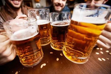 Binge drinking may quickly lead to liver damage
