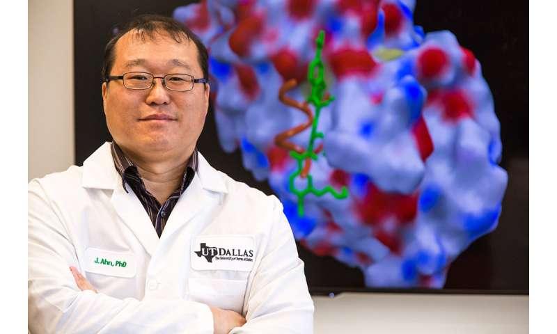 Chemist has designs on drug-resistant breast cancer