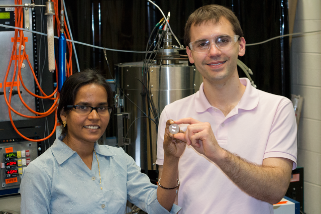 Clean, electrically-driven process to separate commercially important metals from sulfide minerals in one step