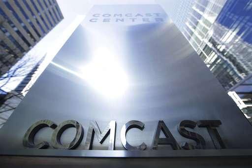 Comcast beats 3Q profit forecasts