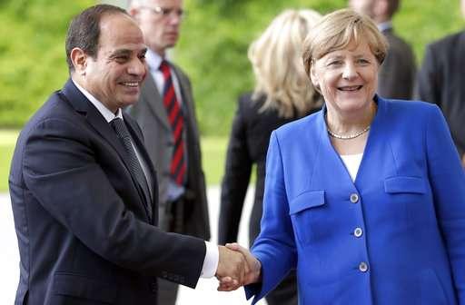 Egyptian watchdog says authorities blocking more websites