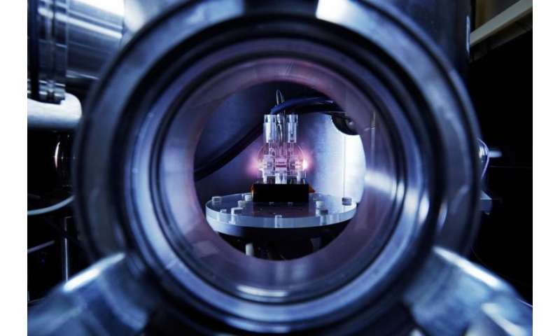 FLASHForward accelerates first electron bunches