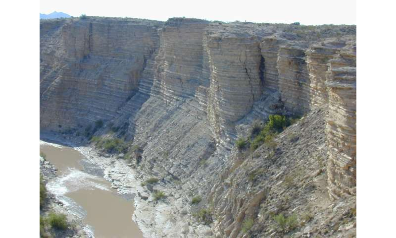 From rocks in Colorado, evidence of a 'chaotic solar system'