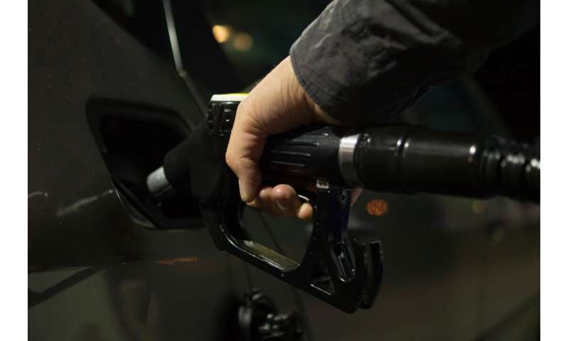 Fuel economy worse in fall, winter thanks to higher share of new light trucks sold