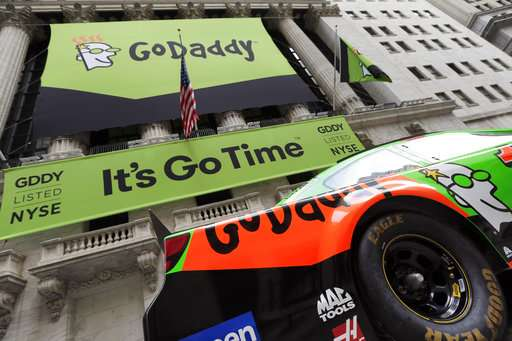 GoDaddy boots neo-Nazi site after post on protest violence